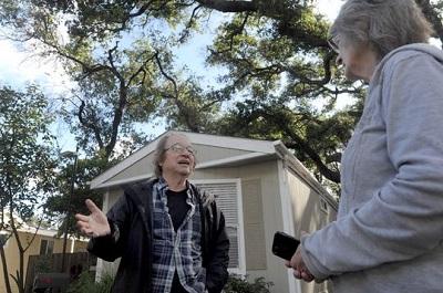 Bill Haff and Liz Cole of Golden Oaks MHP